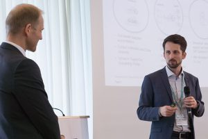 Thorsten Fülling (SupplyOn) and Andreas Kolb (Siemens, right) want to boost the value chain.