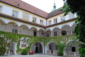 Würdiges Ambiente für den Lieferantentag: Das Kardinal-Döpfner-Haus auf dem Freisinger Domberg