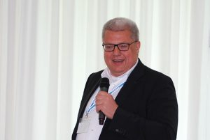 Markus Quicken (SupplyOn)) demonstrated the advantages of an industry solution