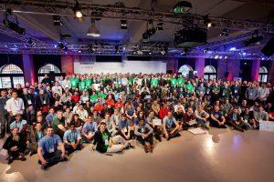 Rund 350 Entwickler lieferten sich beim IoT Hackathon einen Wettkampf um innovative Produkte
