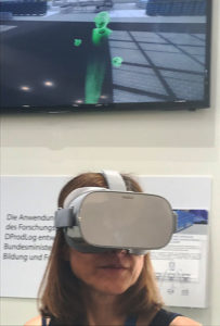 New insights: VR demo of IoT container management at the EURO-LOG booth